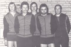 Herren 1 VR 1976/77. Von links: P. Müller, Hübner, Heldt, Emminger, Spreter, Deifel