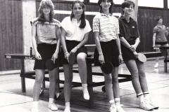 Maedchen VR 1983/84. Von links: Dieterle, Gilot, Kuon, Weber